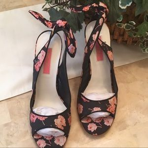 Adorable Betsy Johnson Floral Wedge